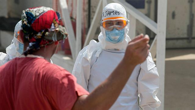 """""""אנחנו זקוקים לסיוע בהול ומיידי"""", כתב אחד מעובדי הארגון במיילים שהודלפו (צילום: רויטרס) (צילום: רויטרס)"""