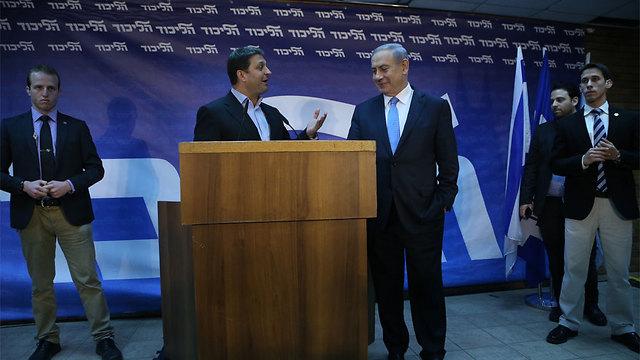ראש הממשלה נתניהו עם ראש המטה ביבס (צילום: מוטי קמחי) (צילום: מוטי קמחי)