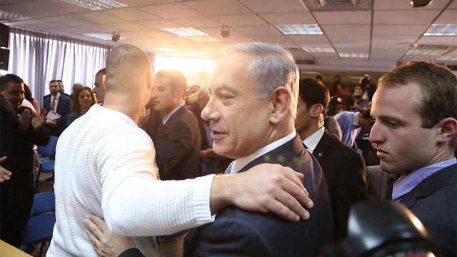 """בלי כוכבים. ראש הממשלה ויו""""ר הליכוד נתניהו (צילום: מוטי קמחי) (צילום: מוטי קמחי)"""