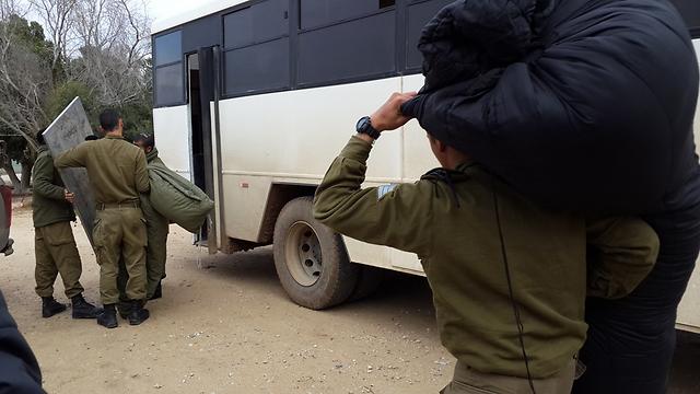 IDF troops leave Gaza border area (Photo: Roee Idan) (Photo: Roee Idan)