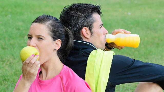 אכילת פירות לפני אימון. לא תמיד זה כדאי (צילום: shutterstock) (צילום: shutterstock)