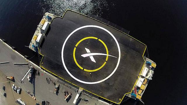 משטח בגודל 90 על 30 מ'. הטיל ינחת כאן? (צילום: AFP) (צילום: AFP)