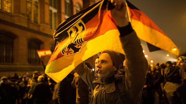מתנגדי המהגרים המוסלמים בגרמניה. בתרחיש הקיצוני - אחד מכל חמישה גרמנים יהיה מוסלמי (צילום: gettyimages)