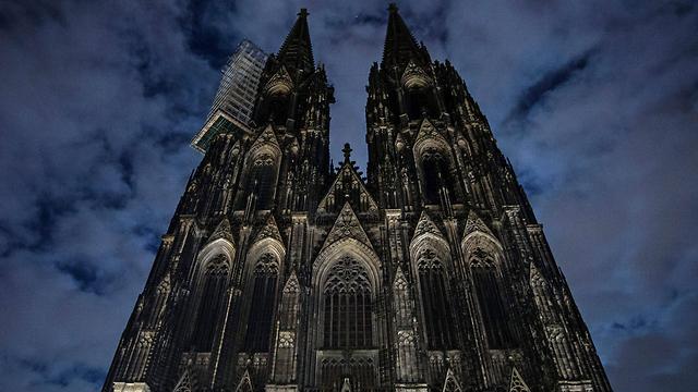 הקתדרלה הוחשכה  (צילום: EPA) (צילום: EPA)