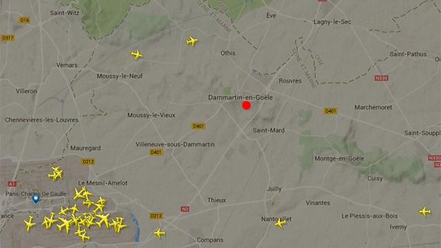המטוסים שבאים לנחות בשארל דה גול לא עוברים מעל הכפר ()