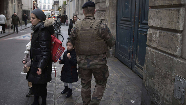 Mothers are scared of the need for soldiers (Photo: AFP)