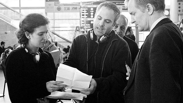 Oded Binnun and Mihal Brezis withUlrich Thomsen on the set of 'Aya'