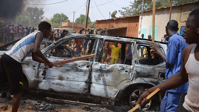 Violent riots in Niamey, Niger. (Photo: AFP)