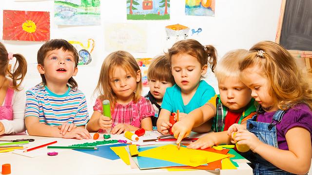 """""""מסכנים את חיי הילדים"""". אילוסטרציה (צילום: shutterstock) (צילום: shutterstock)"""