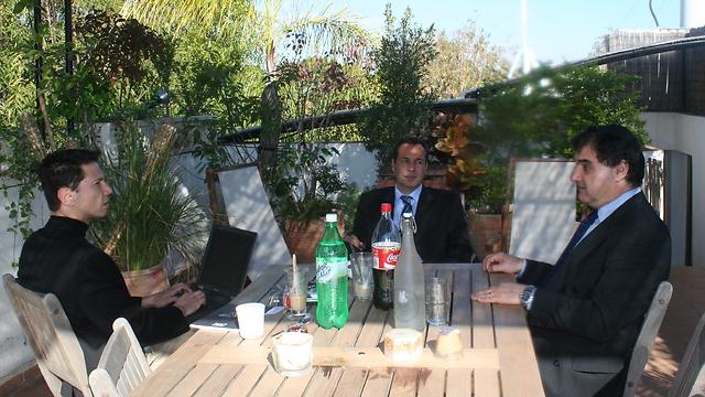 Ronen Bergman interviews Dr. Alberto Nisman.