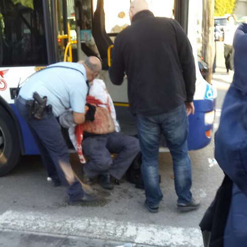 Bus driver wounded after struggling with terrorist