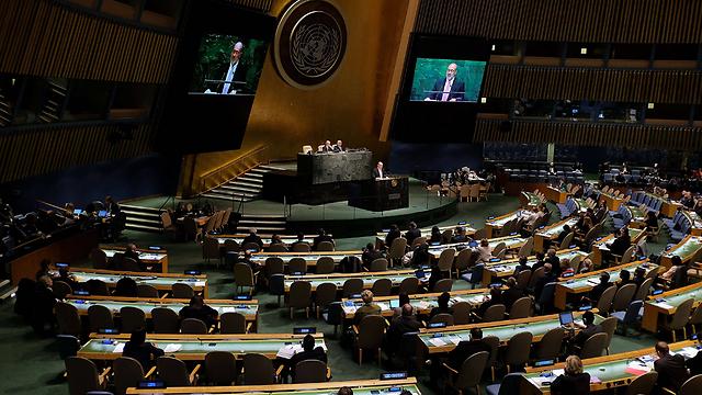 Israeli UN ambassador Ron Prosor addressing colleagues (Photo: AFP)