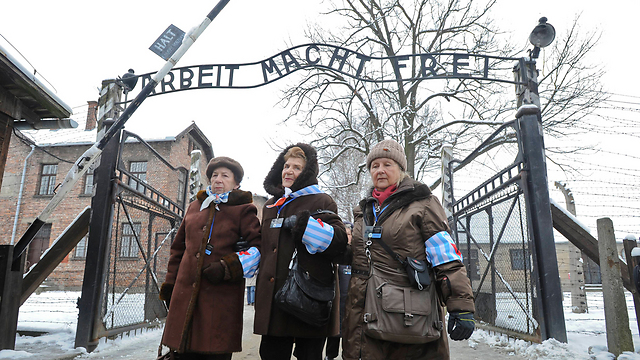 Survivors mark 70th anniversary of Auschwitz liberation at concentration camp in Poland. (Photo: Associated Press)