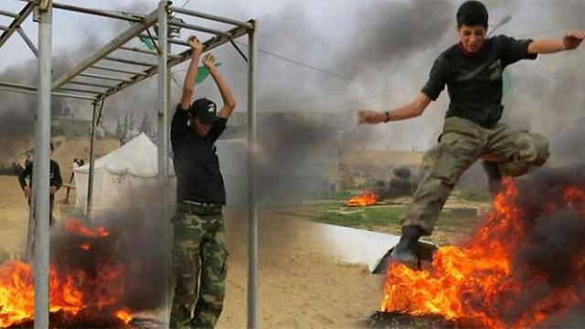 Palestinian teens train in Hamas camp