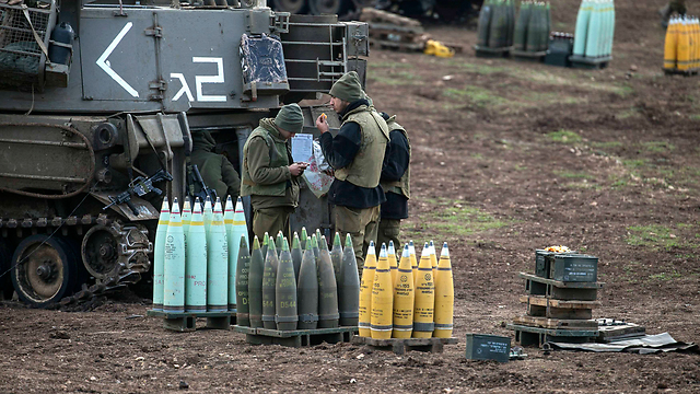 IDF troops on the Syrian border: A reassuring presence (Photo: Reuters)