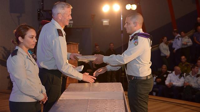 Yohai Kalangel receiving a citation last Independence Day (Photo: IDF Spokesman)