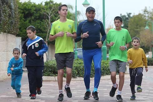 משפחת ולפיש באימון ריצה (צילום: אורן אהרוני) (צילום: אורן אהרוני)