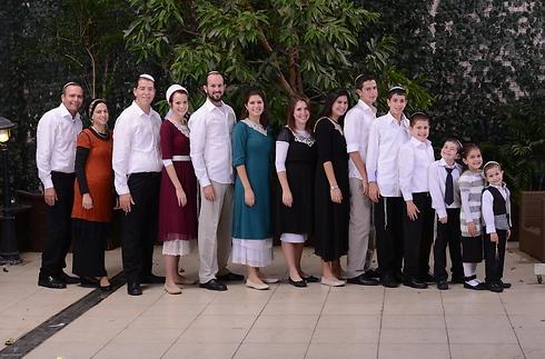 המשפחה בהרכב מלא (צילום: פרטי ) (צילום: פרטי )