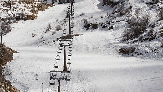The ski lift at the Hermon resort on Thursday (Photo: Ido Erez)