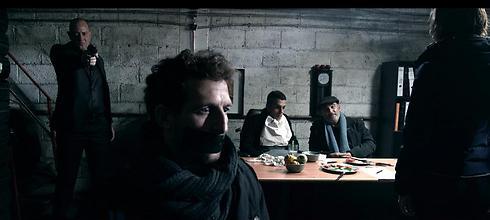 אורי פפר. קאסט מפנק  (צילום מסך) (צילום מסך)