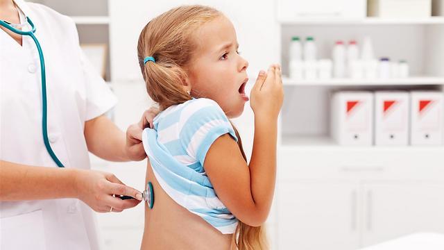 על פי ההערכות החיידק הופך להיות עמיד מפני החיסון (צילום: shutterstock) (צילום: shutterstock)
