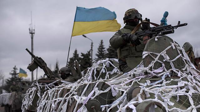 מדינות מזרח אירופה חוששות לפלישת רוסיה לאוקראינה (צילום: AP) (צילום: AP)
