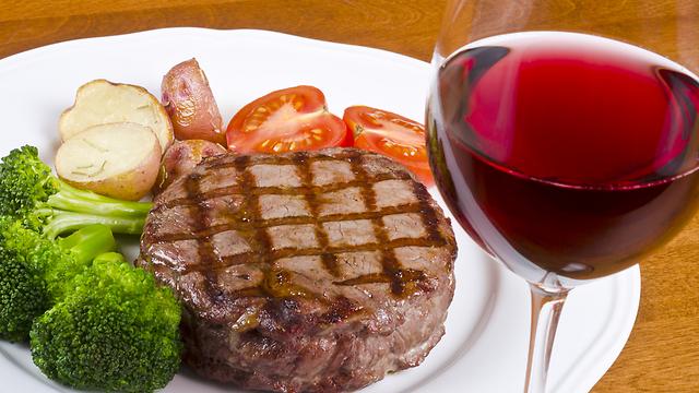 סיכון גבוה למחלות. בשר אדום (צילום: shutterstock) (צילום: shutterstock)