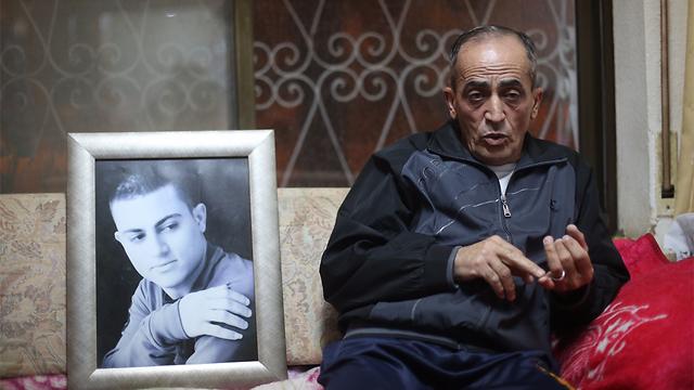 במשפחה מכחישים הטענות שריגל. אביו של מוחמד, סעיד (צילום: גיל יוחנן) (צילום: גיל יוחנן)