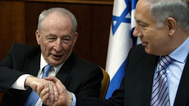 Attorney General Yehuda Weinstein and Prime Minister Netanyahu (Photo: AP)
