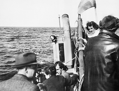 Danish Jews escape to Sweden during Holocaust with Danes' help