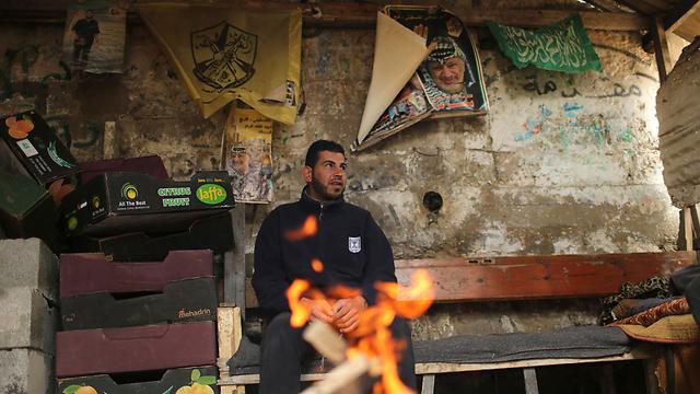 Gazan inside a makeshift hovel (Photo: Reuters)