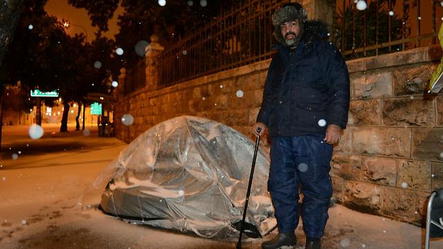 עמאר ואוהל הסיירים גם בשלג (צילום: ג'ורג' גינסברג) (צילום: ג'ורג' גינסברג)