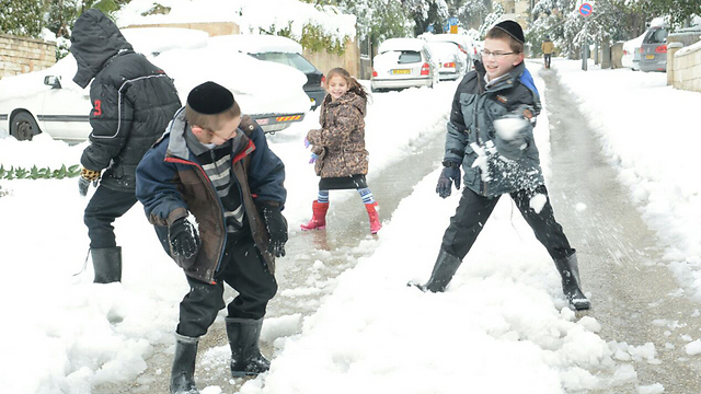 Snow fight in Jerusalem. (Photo: George Ginsburg)
