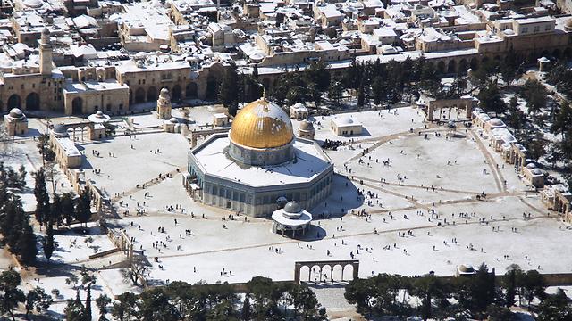 העיר העתיקה נצבעה בלבן (צילום: אילן ארד, lowshot.com) (צילום: אילן ארד, lowshot.com)