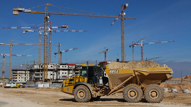 """בנייה חדשה בראש העין. פחות ממיליון שקל לדירת 100 מ""""ר (צילום: עידו ארז) (צילום: עידו ארז)"""