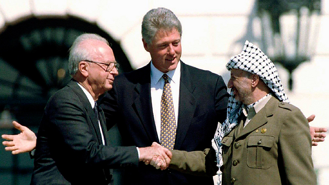 With Prime Minister Yitzhak Rabin and US President Bill Clinton. Between peace and terrorism  (Photo: Reuters)