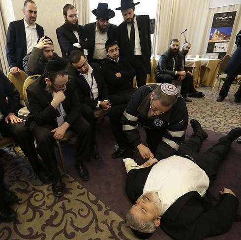 Rabbis practice self-defense in Prague. Attacks against Jews jumped to 37 in 2014 from nine in 2013 (Archive photo: AP)