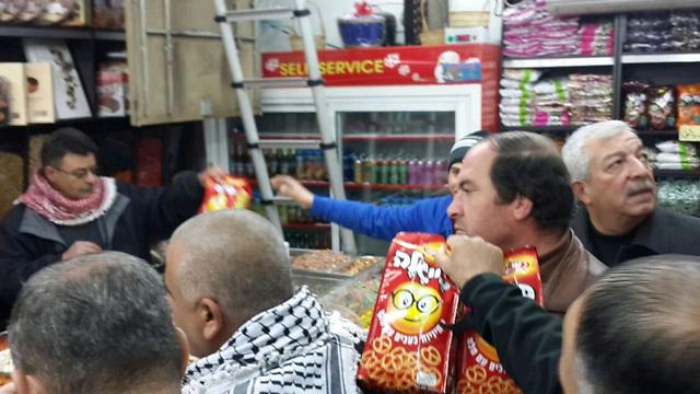 Boycott enforcers find Israeli pretzels at Ramallah bodega. (Photo: Elior Levy) (Photo: Elior Levy)