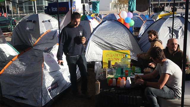אוהלים ברוטשילד, הבוקר (צילום: מוטי קמחי) (צילום: מוטי קמחי)