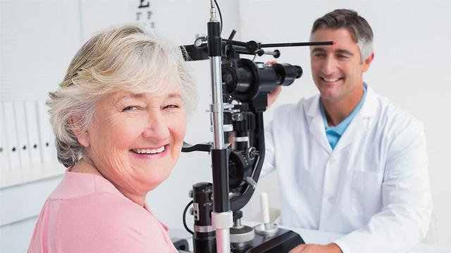 בדיקת עיניים תקופתית עשויה להציל לכם את הראייה (shutterstock) (shutterstock)