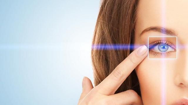 מעל גיל 40 ניתן לזהות סימנים למחלות שמופיעות בגיל מבוגר (צילום: shutterstock) (צילום: shutterstock)