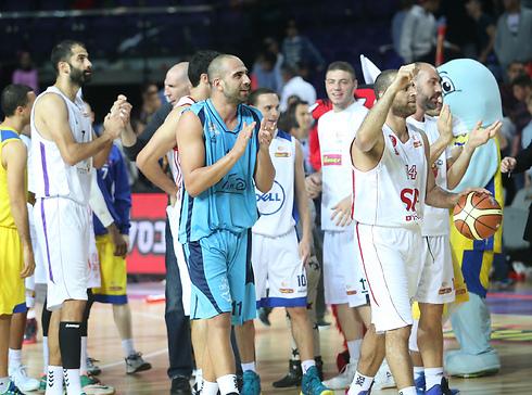 חזרו לנצח על החגיגה. נבחרת הישראלים  (צילום: אורן אהרוני ) (צילום: אורן אהרוני )