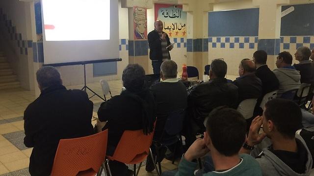 הרצאה בבית הספר ברהט. 36 שקלים השקעה לכל תלמיד