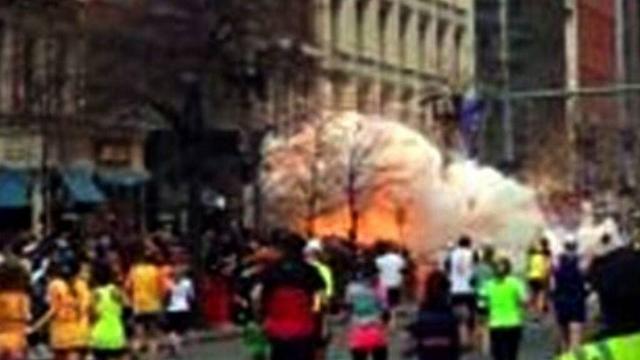 רגע הפיצוץ במרתון בוסטון (צילום: AP) (צילום: AP)
