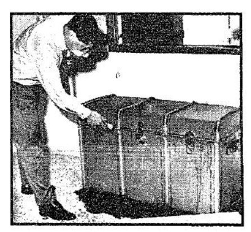 The crate that contained the corpse of Heberts Cukurs (Photo: Yedioth Aharonoth archive)