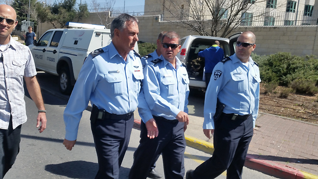 Police Cheif Danino at scene of attack (Photo: Eli Mendelbaun(