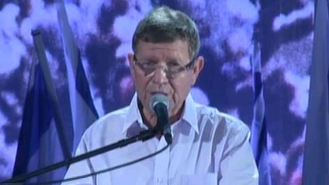 Former ambassador Josef Regev, representing IDF veterans of Yom Kippur War