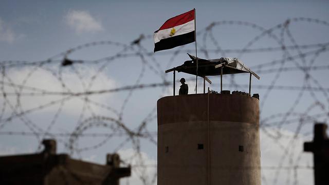 Egyptian guard towerat the Rafah border crossing (Photo: EPA)