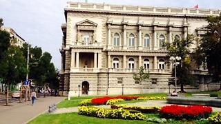 מבנה הספרייה בבלגרד (צילום: שי זדה)