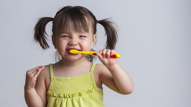 דברו על בריאות השיניים בחיוב (צילום: shutterstock) (צילום: shutterstock)